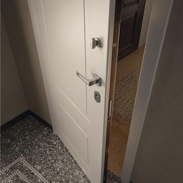 Garofoli - Porta blindata Sovrana con pannello 110eLode su lato esterno e con pannello Miraquadra mod. 2B laccato Bianco su lato interno